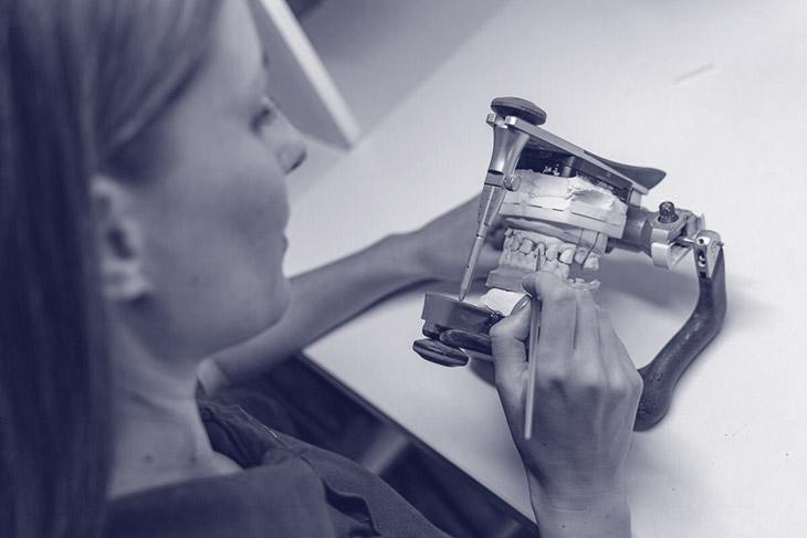 Tehnician dentar CERAMIST - Laborator digital ASPEN