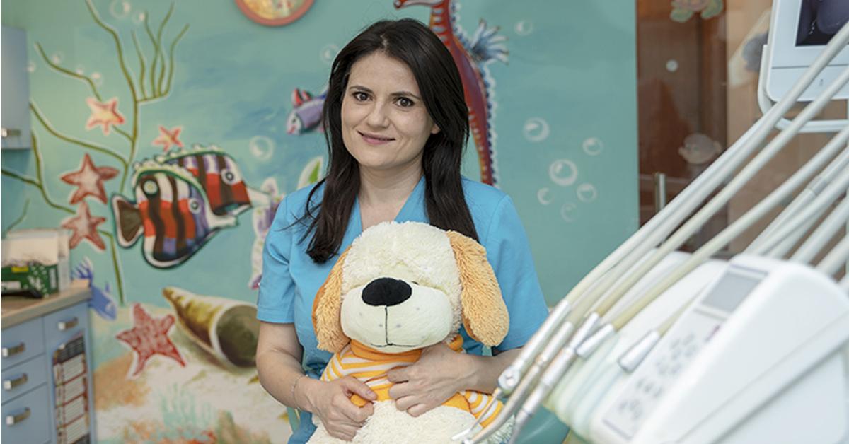 """Dr. Irina Morariu: """"Cred că să zâmbești și să râzi este un prim contact important cu copiii"""""""